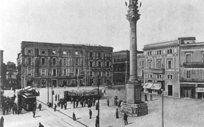 """Quella """"cosa"""" del Terra rossa. Nella Lecce monarchica"""