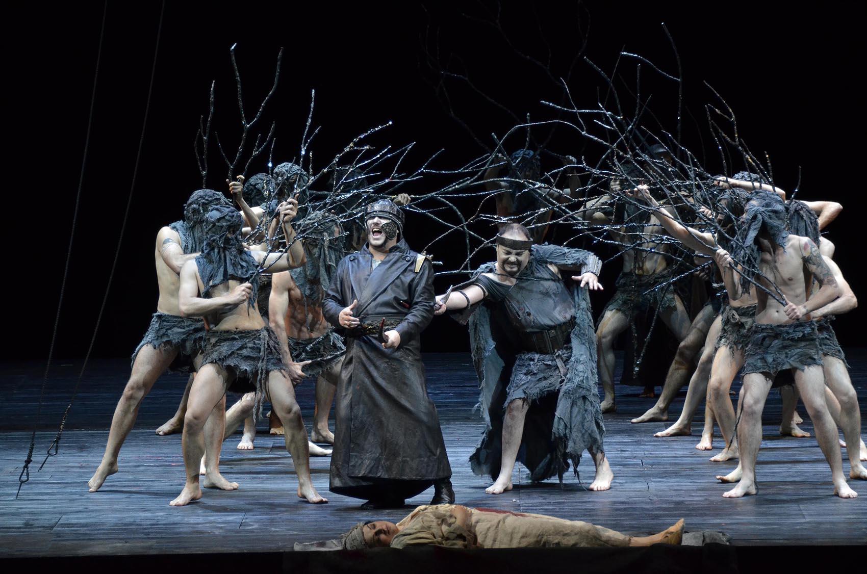 Petruzzelli: Macbeth, il colore del sangue